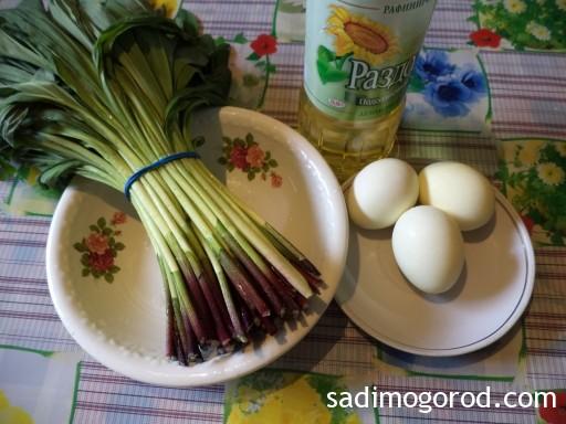 салат с черемшой и яйцами 2
